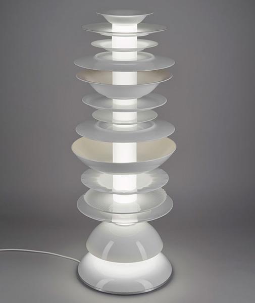 Оригинальные светильники из тарелок.