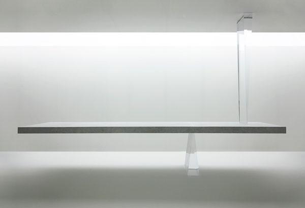 Стол «Agravic» («Невесомый»)  от Tokujin Yoshioka