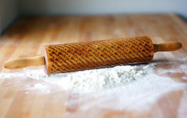 Скалки для раскатывания печенья.