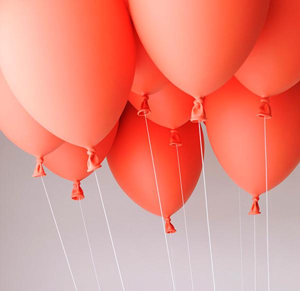 Воздушные шары, удерживающие кресло.