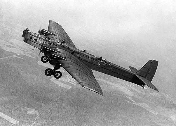 Бомбардировщик АНТ-6, другое название - ТБ-3. Источник фото: wwiivehicles.com