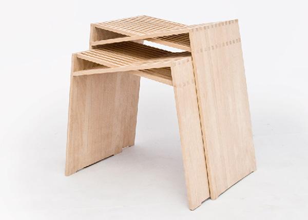 Практичная и простая мебель.