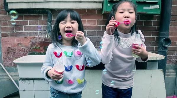 Мыльные пузыри от Coca-Cola.