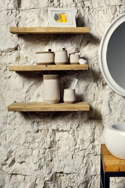 Коллекция посуды Calcarea из переработанного мрамора.