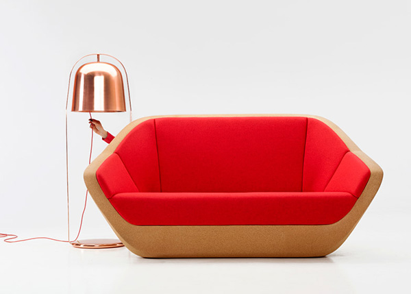 Оригинальный диван с пробковым основанием.