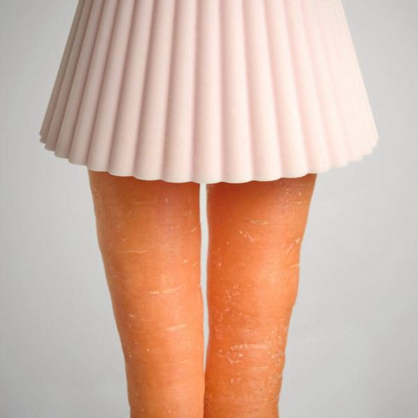 Ноги из моркови.