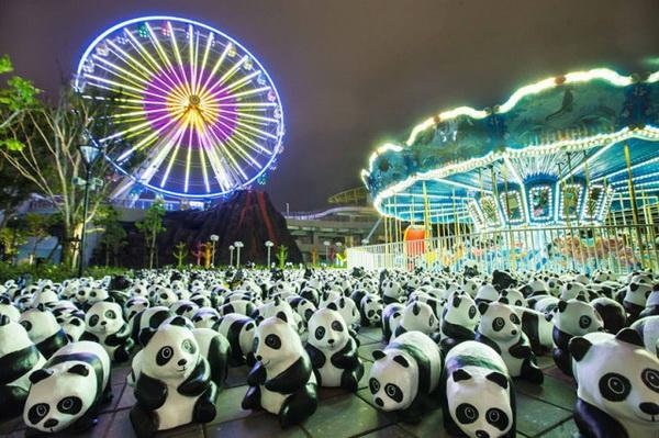 Акция против вымирания панд.