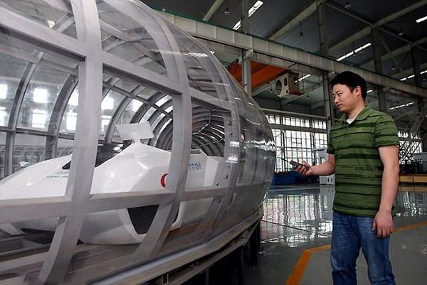 Китайский супер-маглев, который может разгоняться до 3000 км/ч. Источник фото: Imaginechina