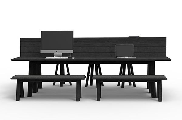 Офисные столы для создания неформальной атмосферы.