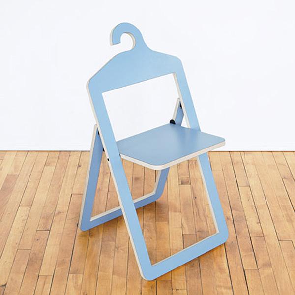 Складные стулья от бренда Umbra .