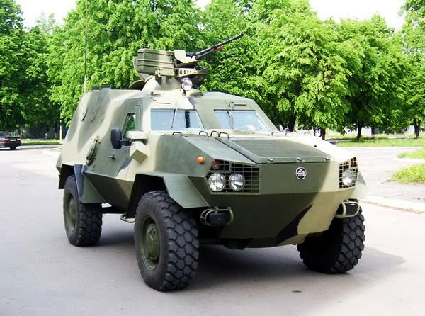 Украинская боевая бронированная машина Дозор-Б