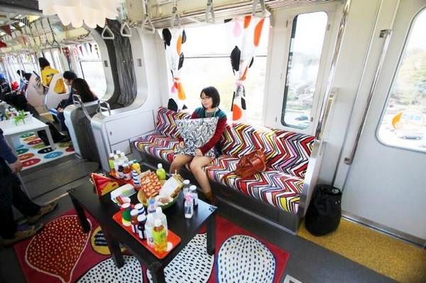 Токийский поезд от IKEA