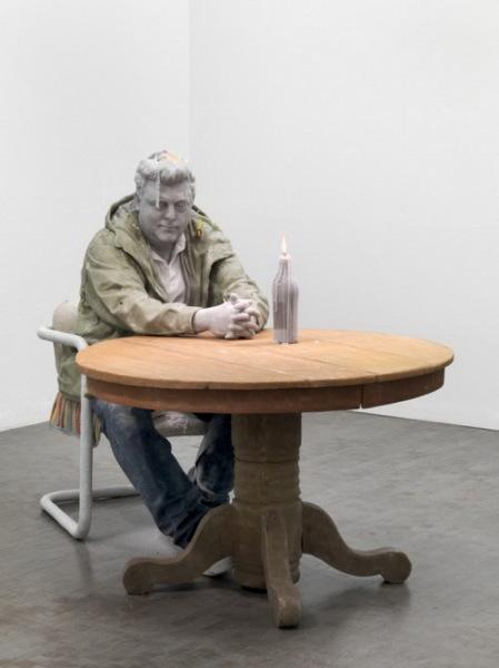 Экспонат выставки Urs Fischer.
