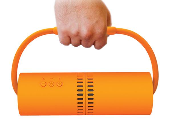 Nunchucks - динамики и подставка для планшетов и смартфонов.