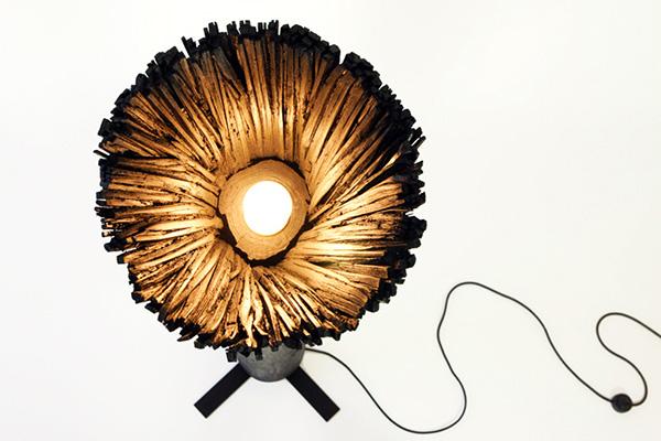 Оригинальные светильники из черного кедра.