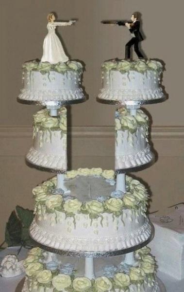 Грандиозный торт в честь развода.