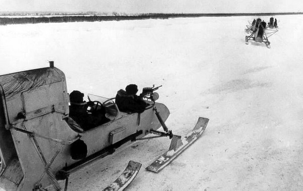 Боевые аэросани РФ-8 (ГАЗ-98)