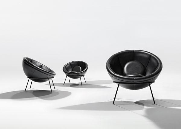 Необычные кресла, разработанные Lina Bo Bardi.