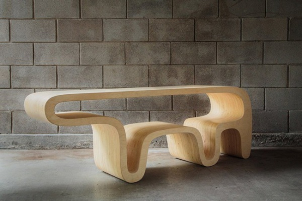 Фанерный стол Bear Table.