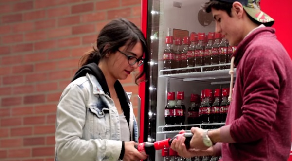 Новая бутылка Coca-Cola.