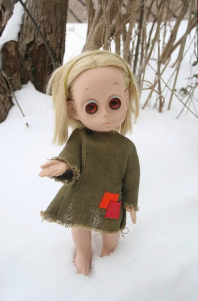 Маленькая безымянная кукла