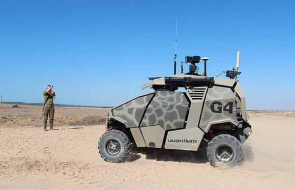Израильский беспилотный военный бронемобиль Guardium UGV