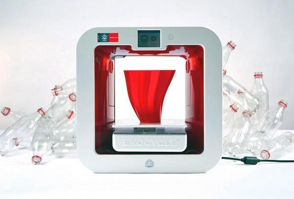 Ekocycle Cube – трехмерный принтер на пластиковых бутылках