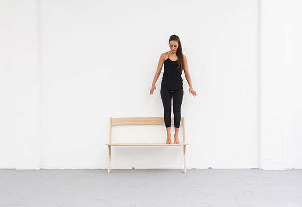 Необычная скамейка Leaning Bench.