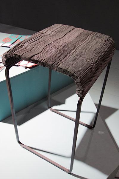 Мебель из остатков кожаного сырья.