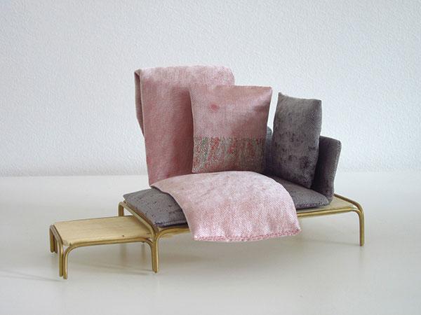 Уточненная мебель для бренда Moroso.