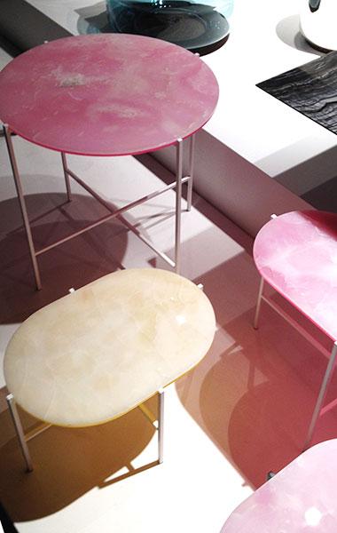 Кофейные столики из тонких пластин от Sebastian Herkner.