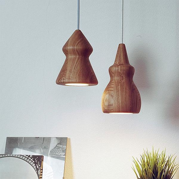 Оригинальные светильники из натурального дуба.