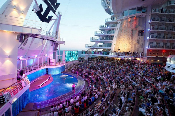 Royal Caribbean: Oasis of the Seas (Оазис морей) и Allure of the Seas (Очарование морей)