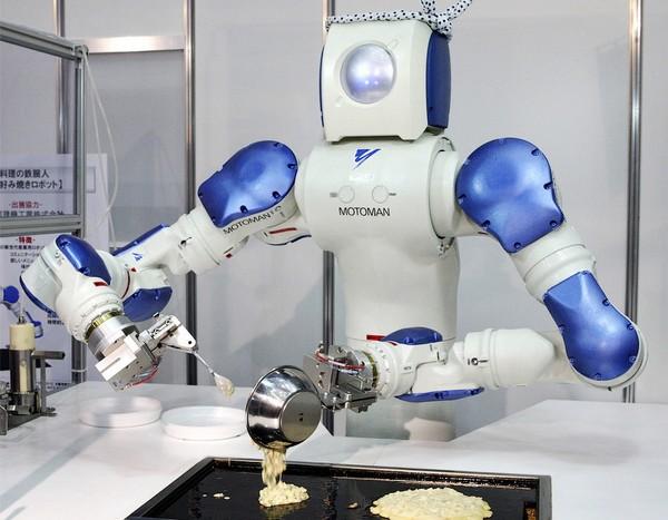 Motoman – робот, который умеет готовить еду
