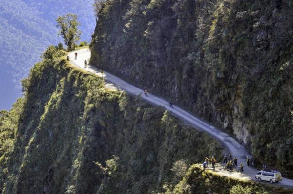Дорога Yungas Road, Боливия