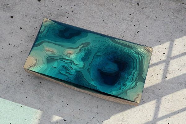 Столик, напоминающий океанические глубины.