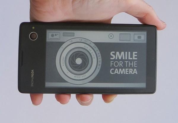 YotaPhone – смартфон с технологией E-Ink