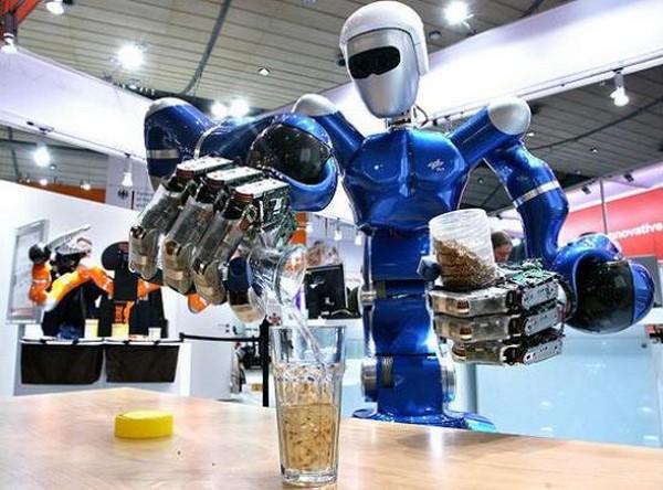 BarBot – соревнования роботов-барменов