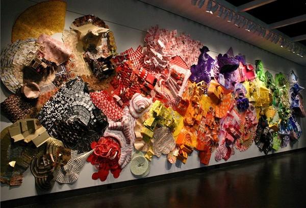 Инсталляция из мусора от Лизы Хоук (Lisa Hoke)