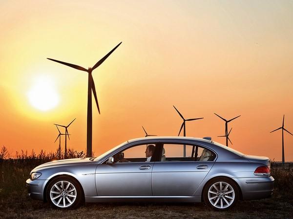 BMW Hydrogen 7 - автомобиль с водородно-бензиновым двигателем