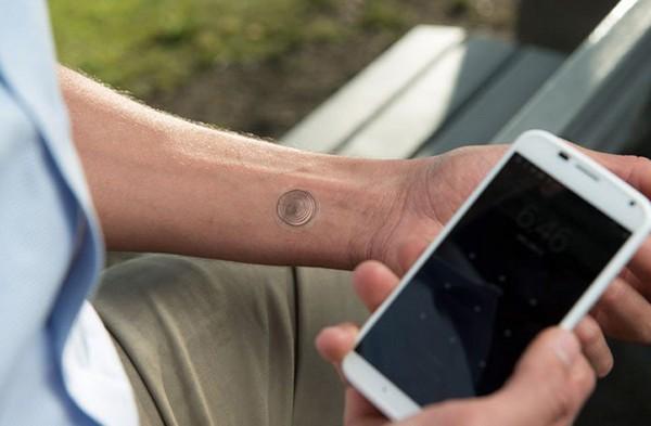 VivaLnk – цифровая татуировка для разблокирования смартфона