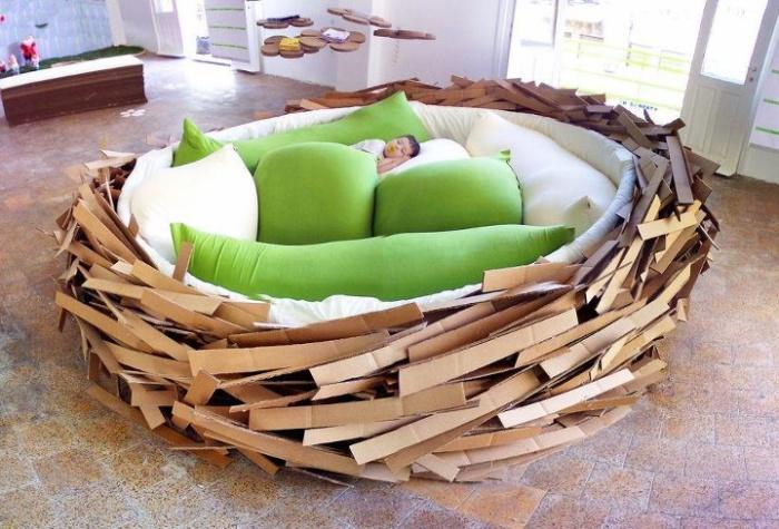 Кровать в виде птичьего гнезда Merav Eitan & Gaston Zahr.