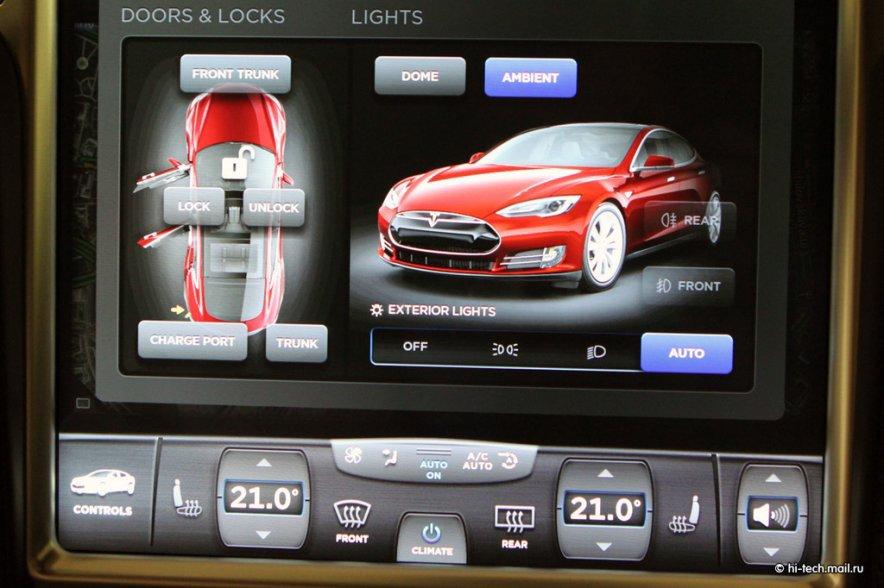 Обзор бортовой системы в Tesla