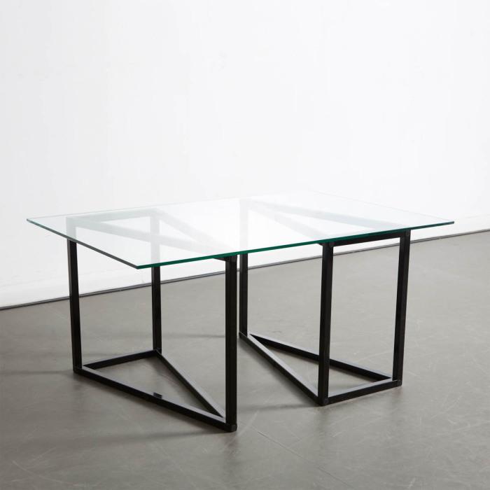 Универсальный стол от Duffy London.