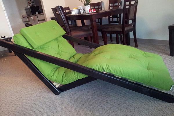 Оригинальный гибрид кровати и шезлонга.