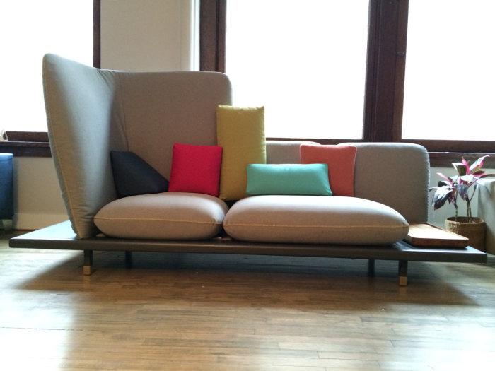 Софа, напоминающая городской пейзаж Манхэттена, от студии Design-Apart  и компания Berto.