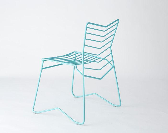 Металлический стул от Даниэля Лау (Daniel Lau) - прекрасное дополнение к интерьеру.