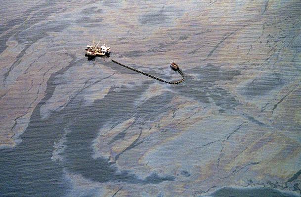 Выброс нефти из танкера Эксон Валдес