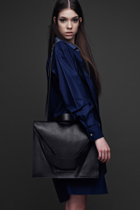 Гармония строгого дизайна и мягких форм в сумке от Линды Сиэто (Linda Sieto).