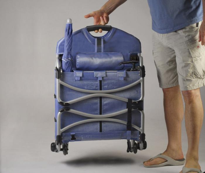 Кресло-кейс LoungePac довольно легкое.